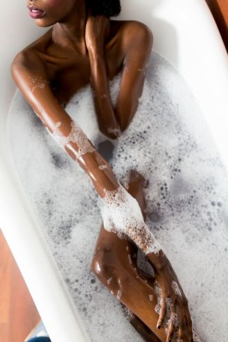 Woman-in-a-bathtub-525484628_3840x5760_preview